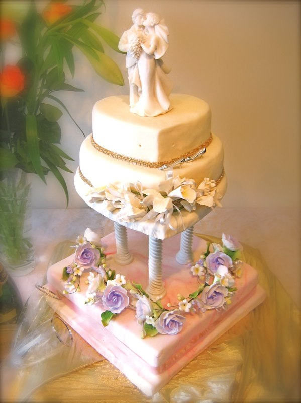 Heart Shaped Wedding Cakes Gallery